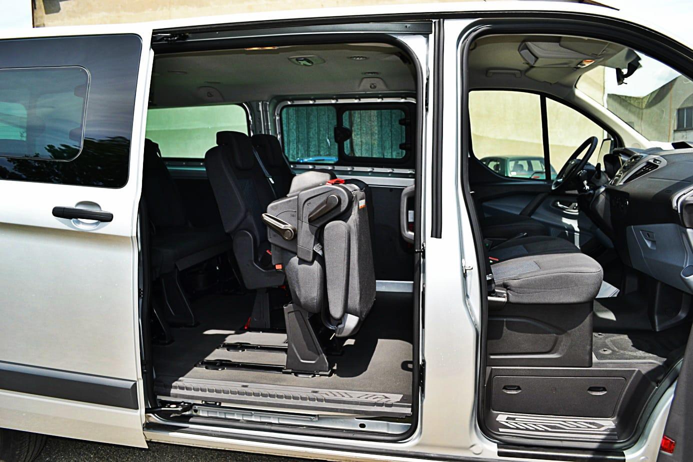location de mini bus utilitaire et voiture sans permis montauban 82. Black Bedroom Furniture Sets. Home Design Ideas